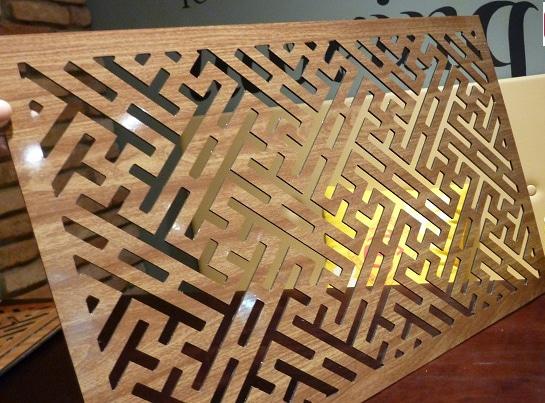Tấm chống ám khói 41x61cm chữ Vạn vàng sồi