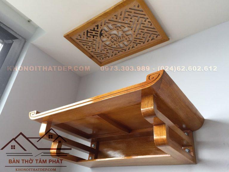 Màu sắc bàn thờ treo tường gỗ mít trang nhã phù hợp với những căn hộ hiện đại