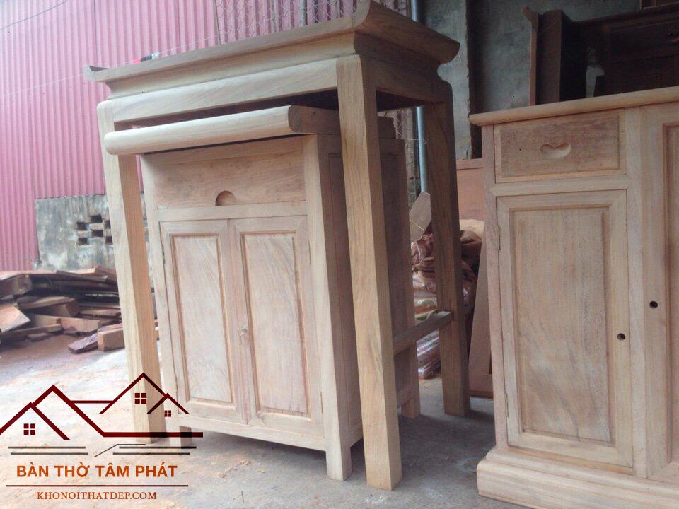 Chất liệu gỗ và sơn cao cấp được dùng để làm chất liệu cho mẫu bàn thờ hiện đại BT009