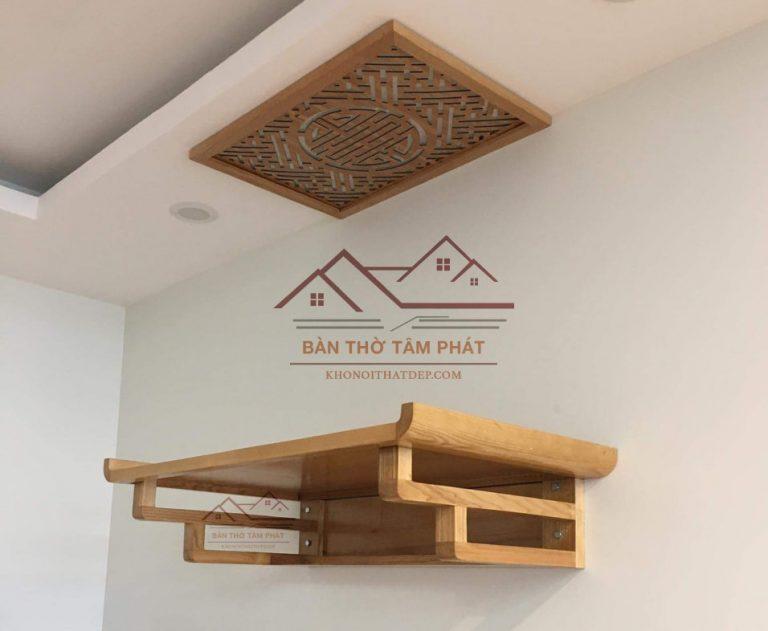 Bàn thờ gỗ treo tường TT0017 có thiết kế đơn giản nhưng vô cùng trang nghiêm