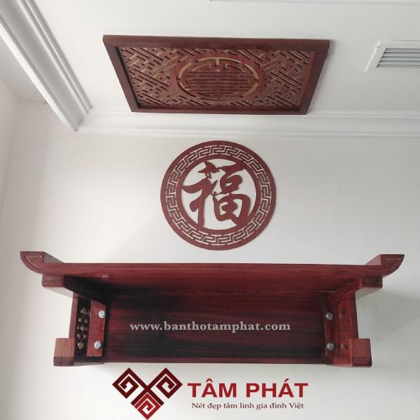 Bàn thờ treo tường gỗ Hương màu nguyên bản phung bóng