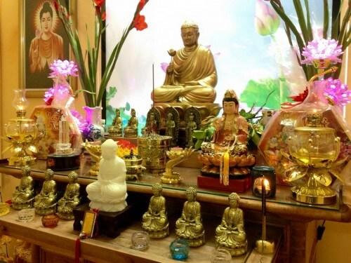 Cách lựa chọn Phật cho bàn thờ tại gia