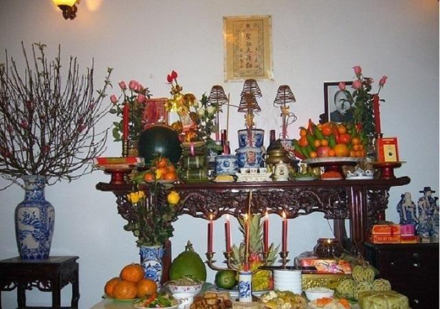 Vị trí di ảnh trong cách trưng bày bàn thờ tổ tiên