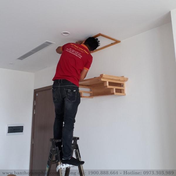 Chú ý chiều rộng, chiều sâu khi chọn bàn thờ treo tường
