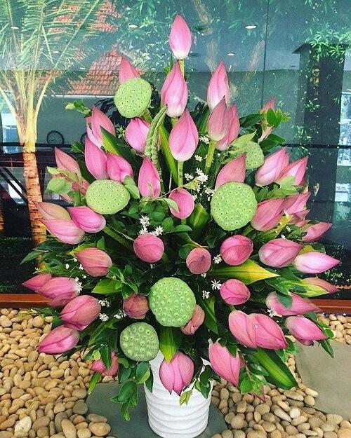 Cách cắm hoa bàn thờ Phật