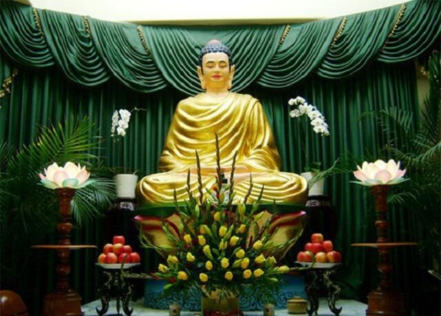 Hoa cúng Phật