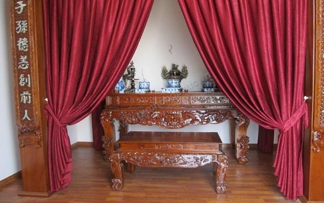 Rèm bàn thờ bằng vải gấm nhung