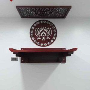 Mẫu bàn thờ treo kết hợp với ốp lưng hoa sen