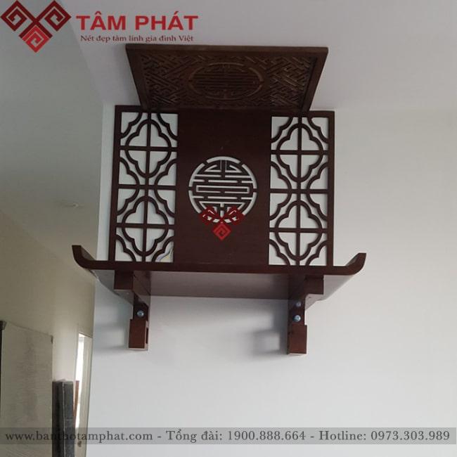 Trang thờ treo tường kết hợp với ốp lưng trang trí