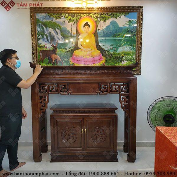 Mẫu bàn thờ được thiết kế uy nghi vững chắc