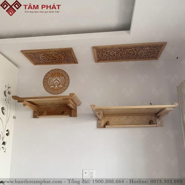 Bàn thờ treo 2 cấp thờ Phật cấp trên và thần linh gia tiền cấp dưới