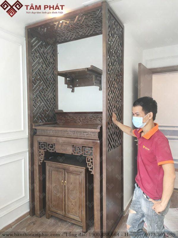 Bàn thờ gia tiên kết hợp bàn thờ Phật treo tường