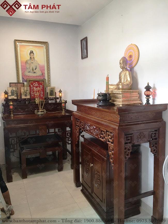 Mẫu bàn thờ đục chiện sen được nhiều gia chủ lựa chọn